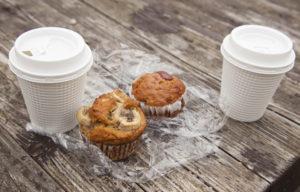 絶景カフェマフィンとコーヒー
