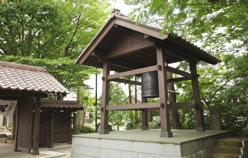 行善寺お寺の鐘