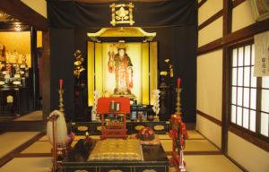 行善寺お寺の本堂